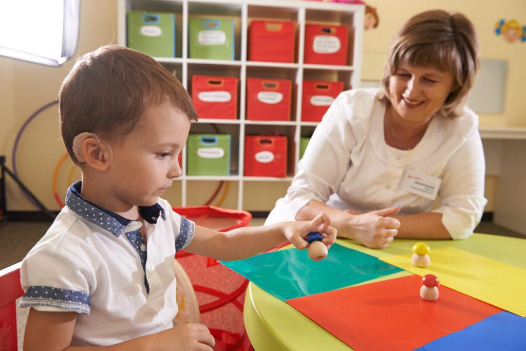 Занятие с ребенком инвалидом